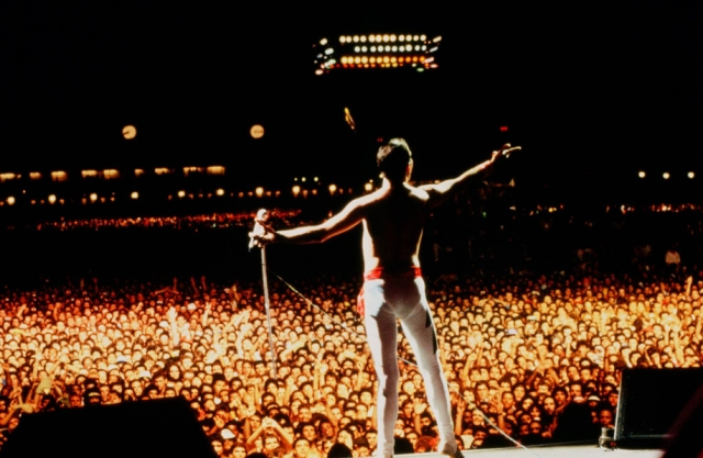 freddie-mercury-rock-in-rio-1985